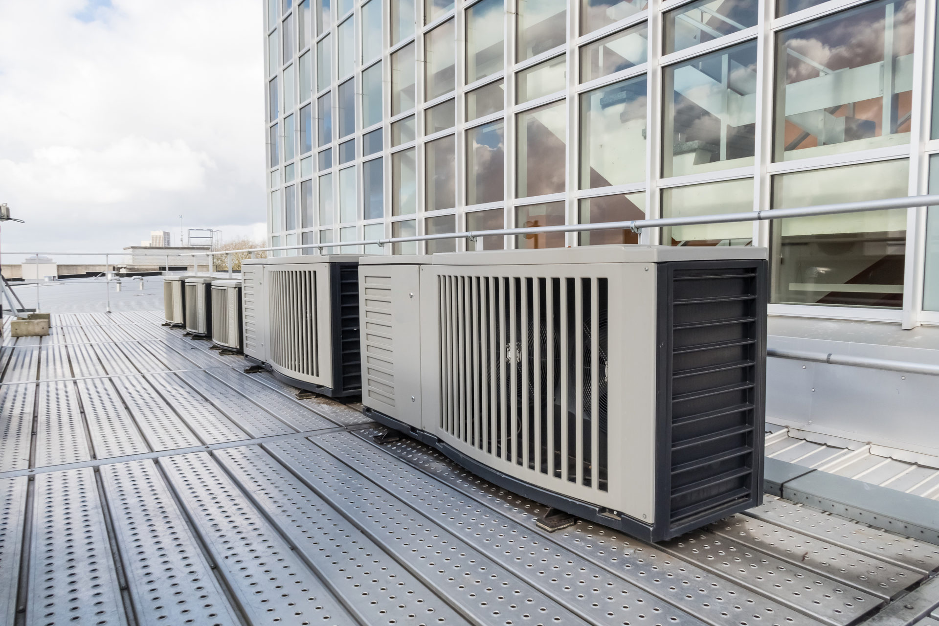 4 Tips to Choose the Right Commercial HVAC System